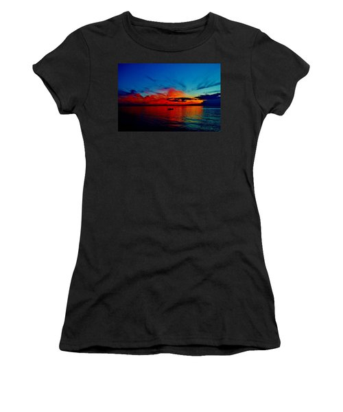 Red Horizon Women's T-Shirt (Athletic Fit)
