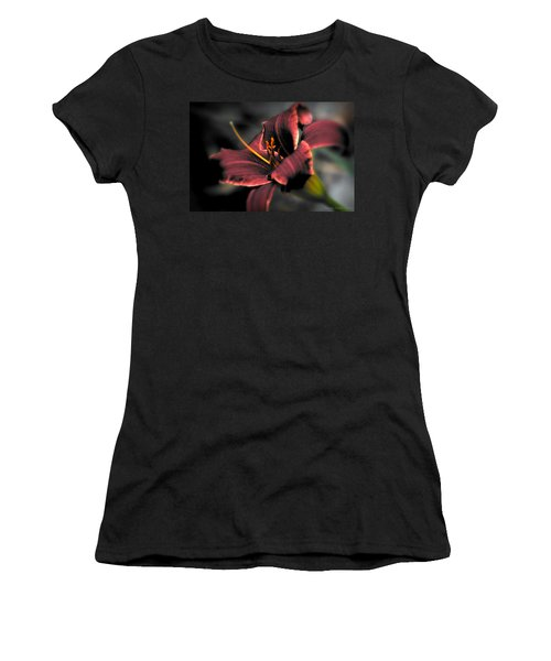 Red Lilly2 Women's T-Shirt