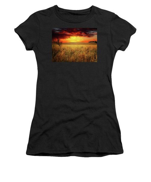 Red Skies Women's T-Shirt (Athletic Fit)