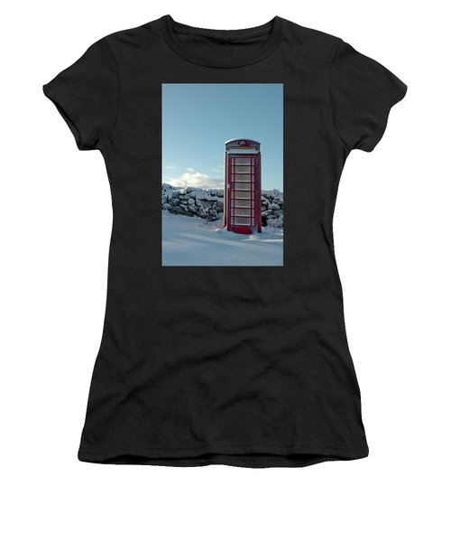 Red Telephone Box In The Snow IIi Women's T-Shirt