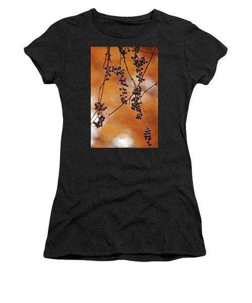 Ripe Wild Grapes  Women's T-Shirt