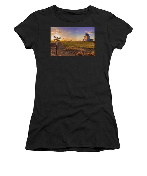 End Of The Day On The Montana Hi Line Women's T-Shirt (Athletic Fit)