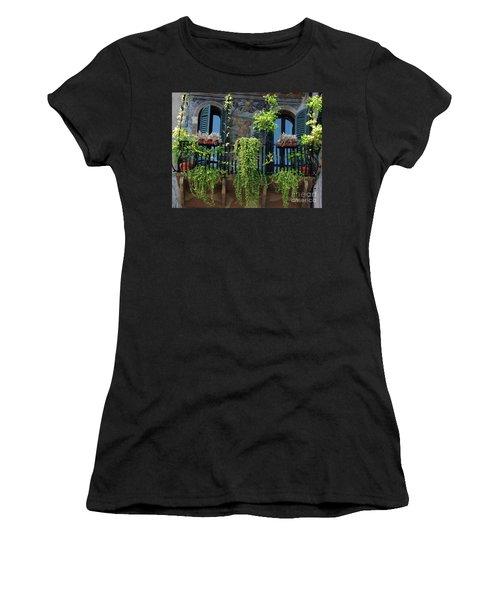 Romeo And Juliet  Women's T-Shirt