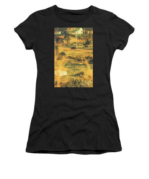 Rural Tasmania Landscape At Summer Women's T-Shirt