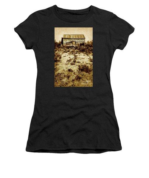 Rusty Rural Ramshackle Women's T-Shirt