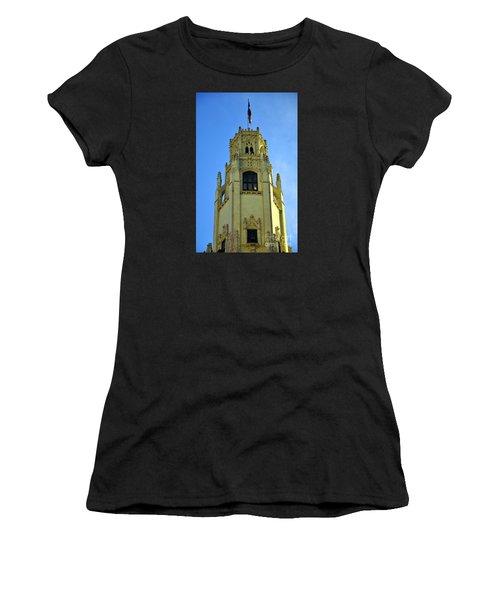 San Antonio Building 4 Women's T-Shirt (Athletic Fit)