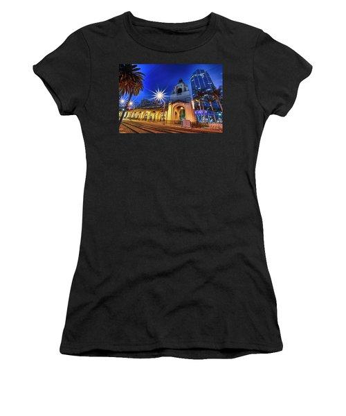 Santa Fe At Night Women's T-Shirt (Athletic Fit)