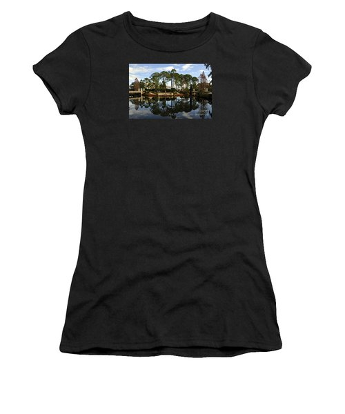 Sculpture Garden Women's T-Shirt (Athletic Fit)