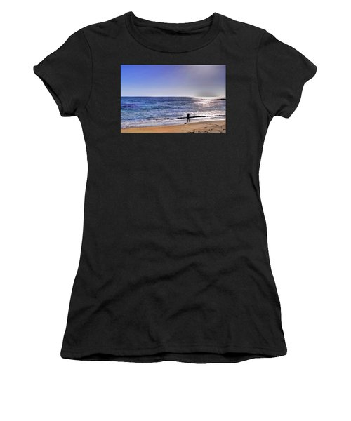 Searching To The Sea Women's T-Shirt
