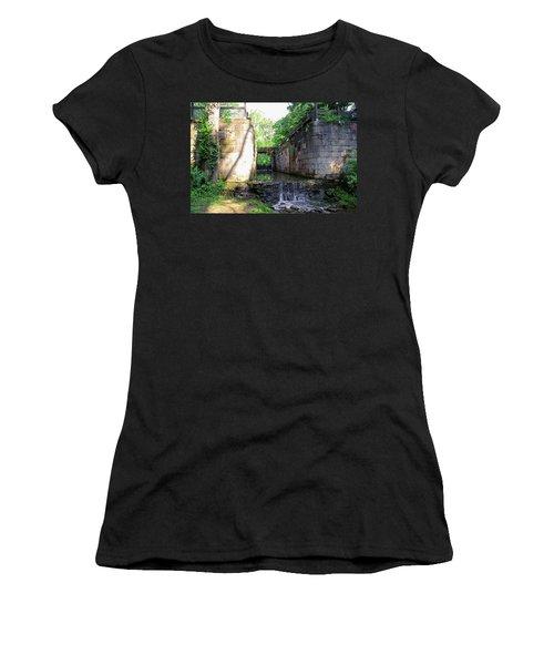 Side Cut Locks IIi Women's T-Shirt