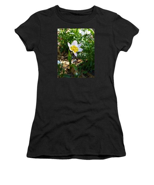 Single Flower - Simplify Series Women's T-Shirt (Junior Cut) by Carla Parris