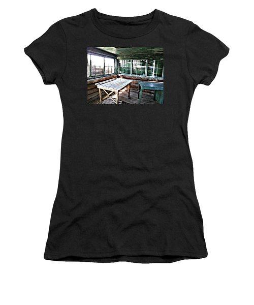 Skookum Butte Lookout Cabin  Women's T-Shirt (Athletic Fit)