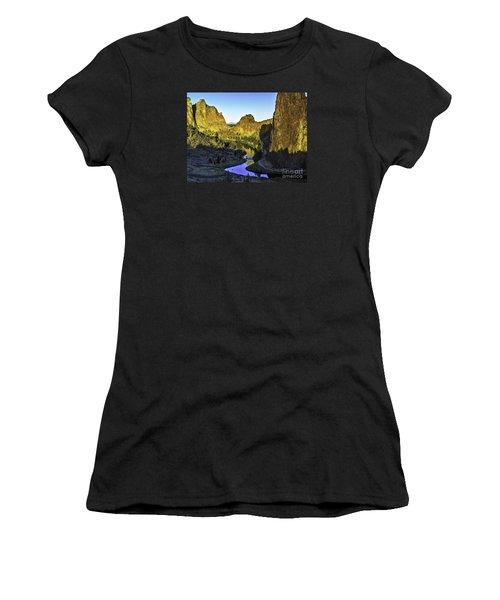 Smith Rock, Oregon Women's T-Shirt (Athletic Fit)
