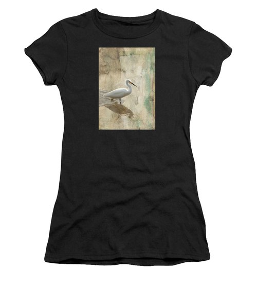 Snowy Egret In Grunge Women's T-Shirt (Athletic Fit)