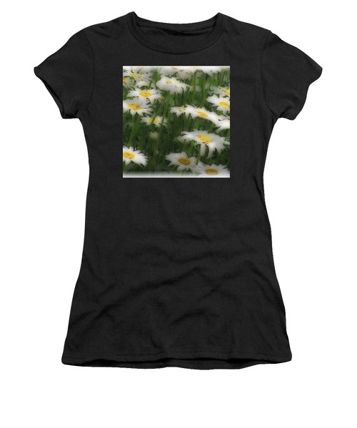 Soft Touch Daisy Women's T-Shirt (Athletic Fit)