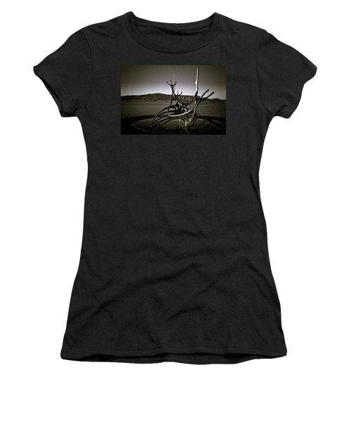 Solfar - Sun Voyager Women's T-Shirt (Athletic Fit)