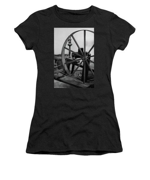 Spinning Wheel At Mount Vernon Women's T-Shirt