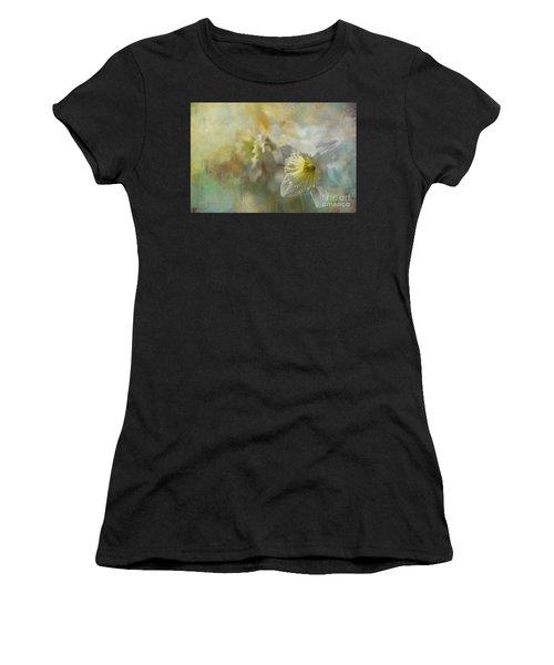 Spring Daffodils Women's T-Shirt