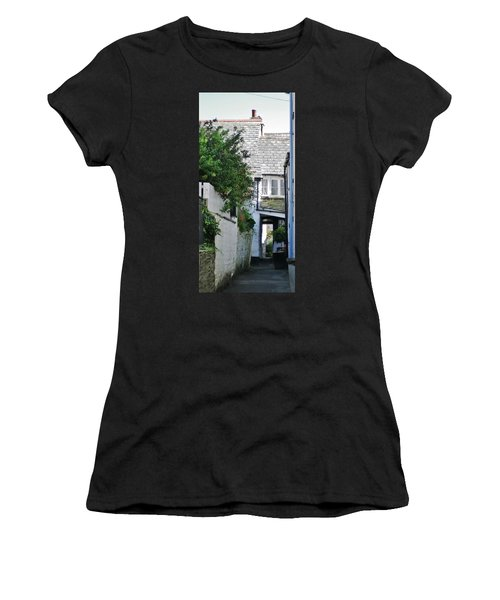 Squeeze-ee-belly Alley Women's T-Shirt (Athletic Fit)