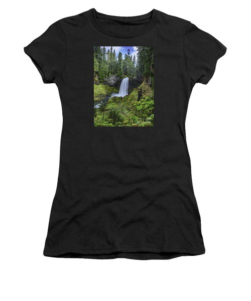 Sahalie Falls,oregon Women's T-Shirt (Athletic Fit)