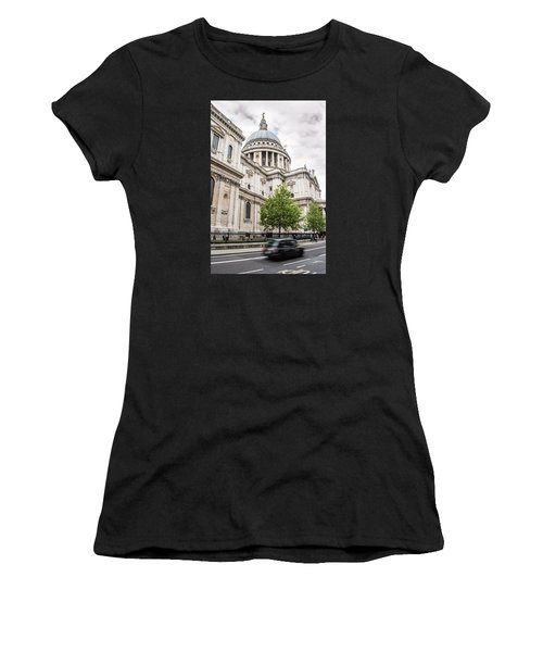St Pauls Cathedral With Black Taxi Women's T-Shirt (Athletic Fit)