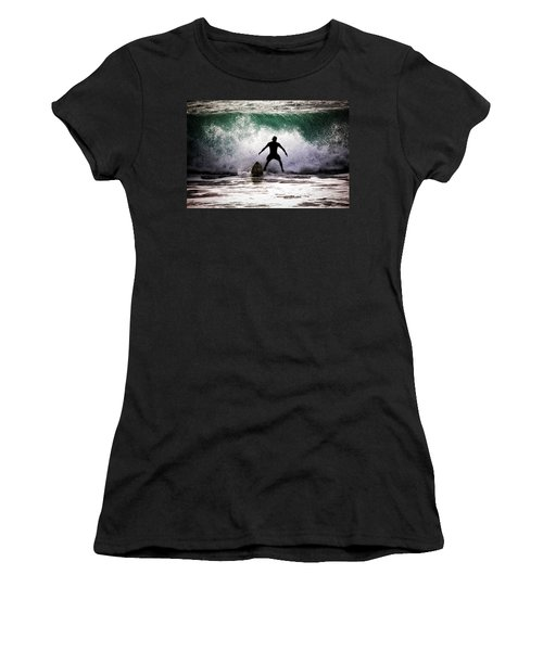 Standby Surfer Women's T-Shirt (Athletic Fit)
