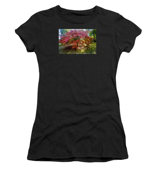 Standing Out From The Crowd Women's T-Shirt (Athletic Fit)