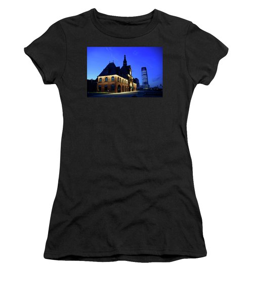 Station House Women's T-Shirt