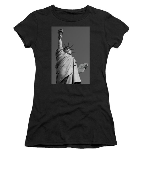 Statue Of Liberty Women's T-Shirt (Athletic Fit)