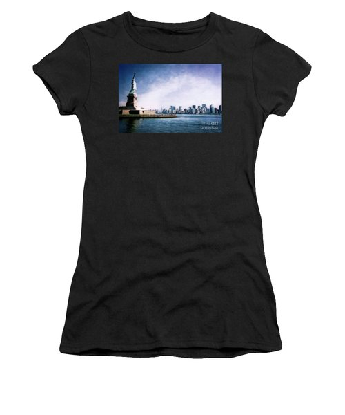 Statue Of Liberty Women's T-Shirt