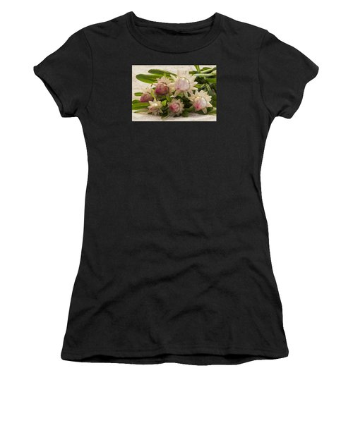 Straw Flowers And Lace Women's T-Shirt (Athletic Fit)