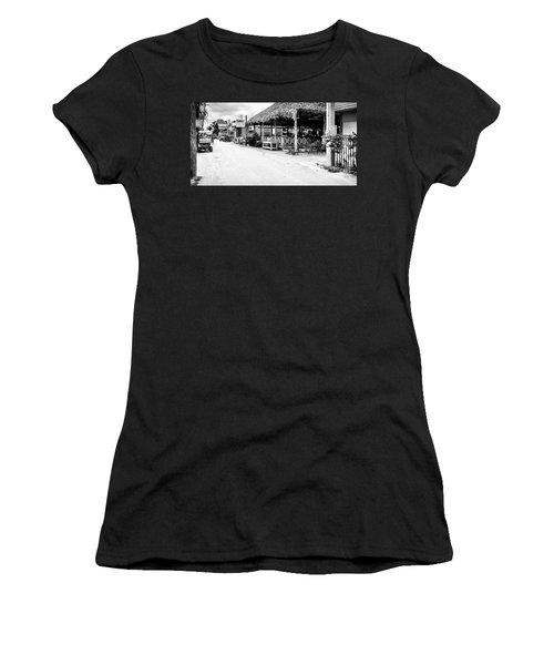 Street Scene On Caye Caulker Women's T-Shirt (Athletic Fit)