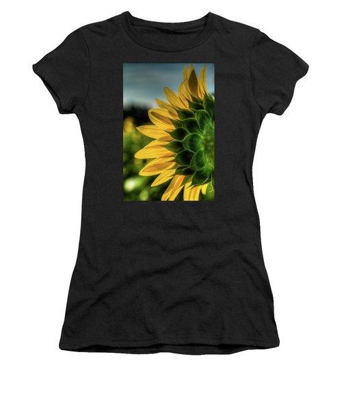 Sunflower Blooming Detailed Women's T-Shirt