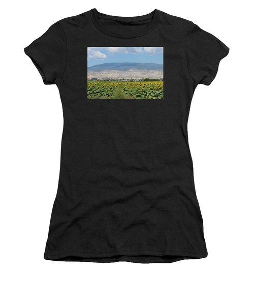 Sunflower Farming Splendor In Delta Co Women's T-Shirt (Athletic Fit)