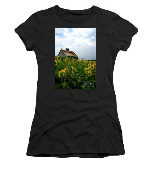 Sunflowers Rt 6 Women's T-Shirt (Athletic Fit)