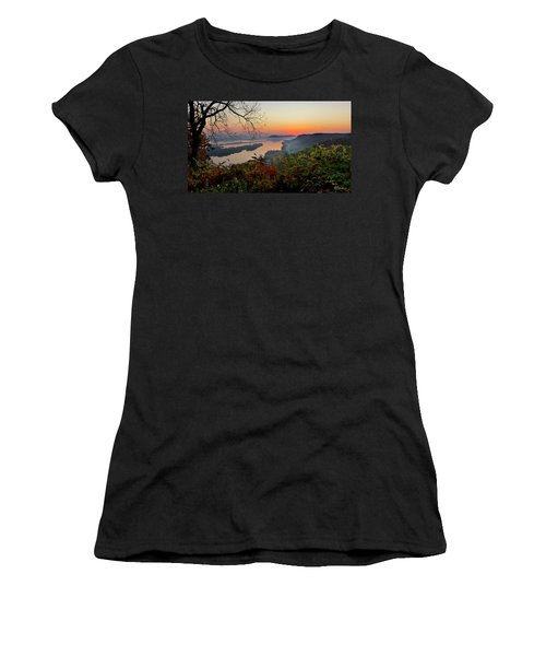 Sunrise At Homer, Mn Women's T-Shirt