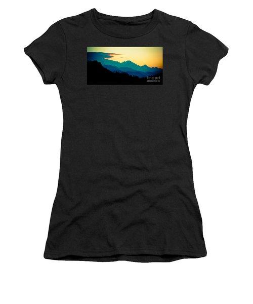 Sunrise In Himalayas Annapurna Yatra Himalayas Mountain Nepal Poon Hill Women's T-Shirt