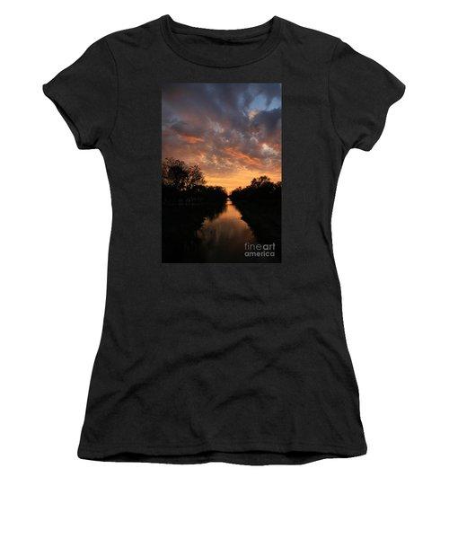 Sunrise On The Illinois Michigan Canal Women's T-Shirt