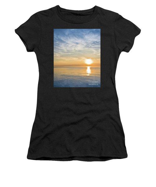 Sunrise Over Lake Michigan In Chicago Women's T-Shirt