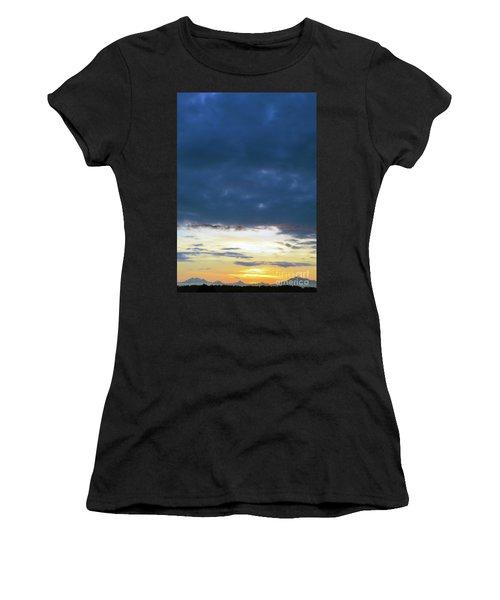 Sunrise Over The Cascades Women's T-Shirt