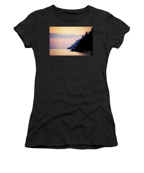 Sunrise Sea Rythm  Women's T-Shirt