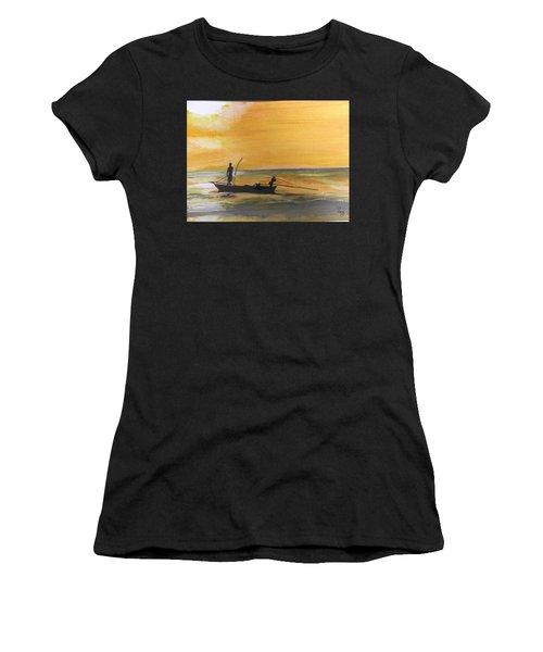 Sunset Fishing Women's T-Shirt (Athletic Fit)