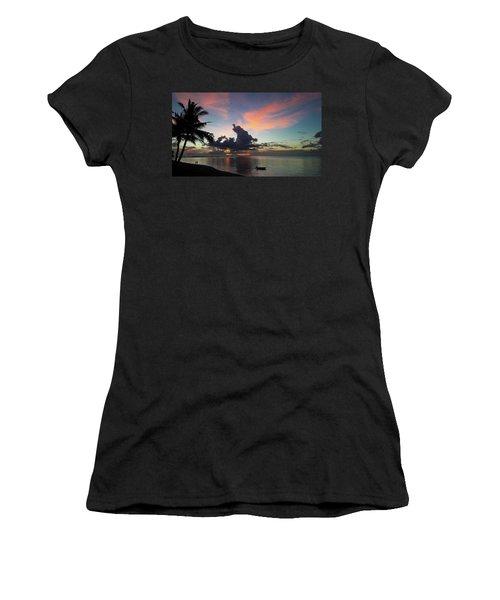 Sunset Lovers Women's T-Shirt