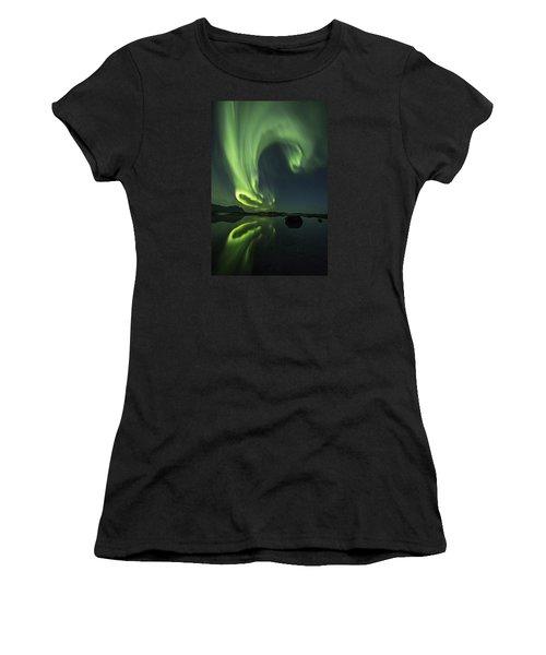 Swirl Women's T-Shirt (Athletic Fit)