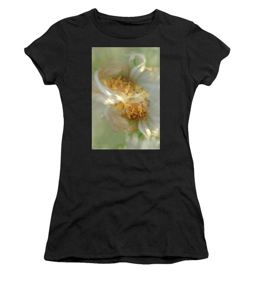 Flower Swirl.... Women's T-Shirt