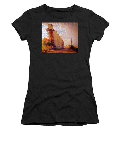 Tampa Docks Women's T-Shirt (Athletic Fit)