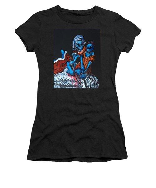 The Alien Judith Beheading The Alien Holofernes Women's T-Shirt