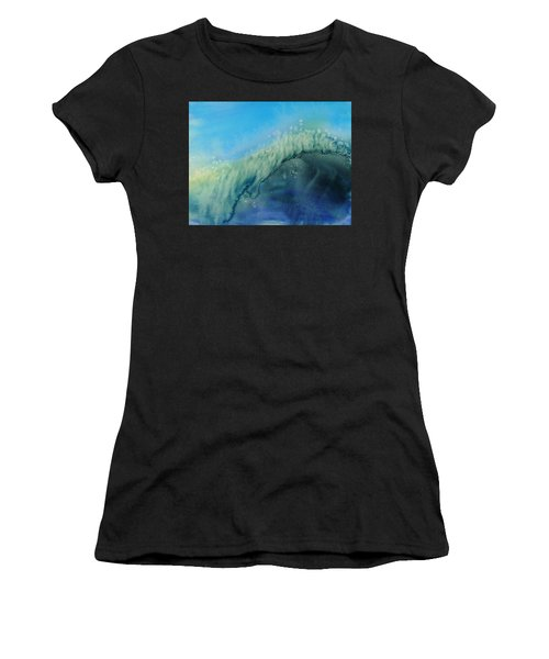 The Big Curl Women's T-Shirt (Athletic Fit)