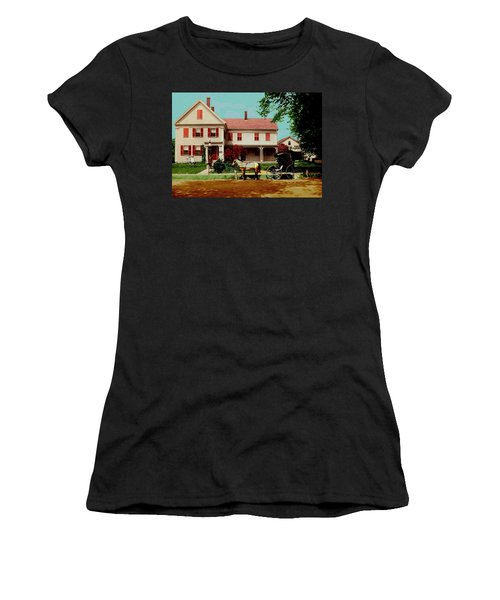 The Doctor Heads Out On A House Call Women's T-Shirt (Athletic Fit)