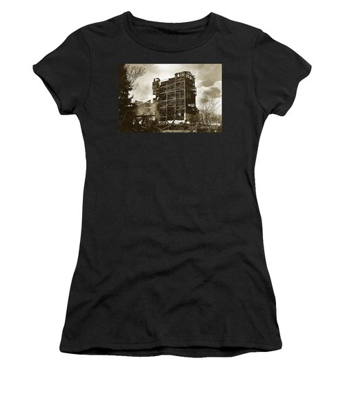 The Dorrance Breaker Wilkes Barre Pa 1983 Women's T-Shirt